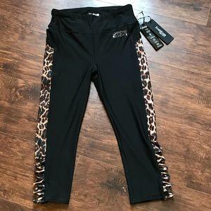 Bebe sport capri yoga cheetah print leggings